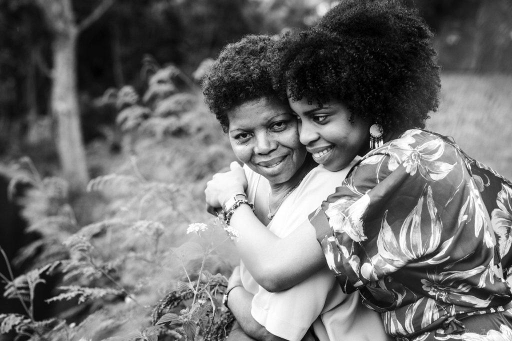 Photos de famille entre une mère et sa fille (photographe 974)